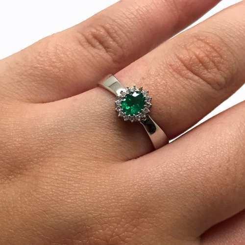 Anel Esmeralda Extra Diamantes Brancos Ouro Branco 18k 24325