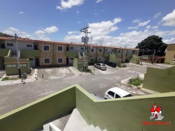 Apartamento Venta Av Interc. Turmero, Maracay/ 20-21620 Wjo