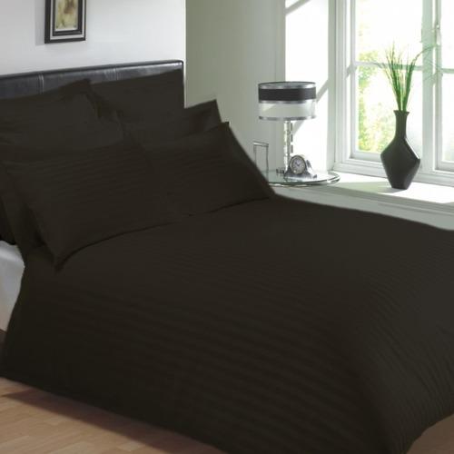 Duvet Doble Sateen Stripe + 2 Fundas De Almohadón Negro