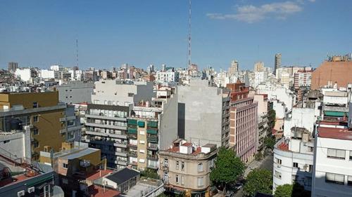 Luminoso Semipiso De 5 Ambientes Con Balcón Y Vista Abierta En Venta - Barrio Norte