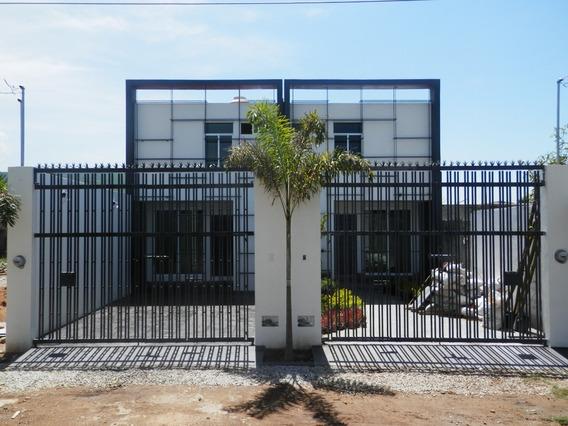 Hermosa Casa En Venta En Yahuice, Sta. Maria Atzompa