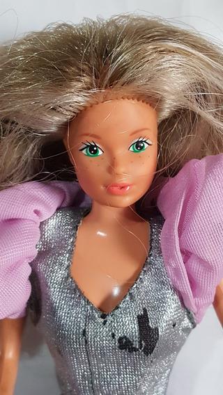 Boneca Barbie Estrela Rara Vicky