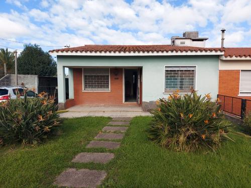 2 Casas, 3 Dorm Y 2 Dorm, Barbacoa, Frente Y Fondo, Garages