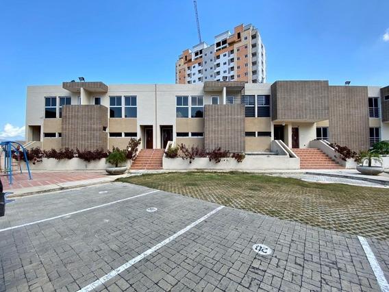 Townhouse En Venta Mg El Rincon Obra Gris