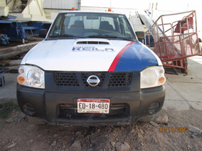 Nissan Np300 2.5 Diesel Doble Cabina 4x4 Mt