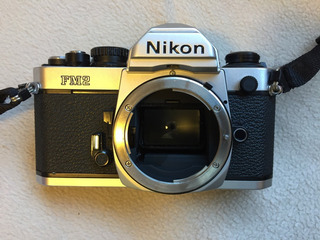 Câmera Analógica Nikon Fm2 (só O Corpo)