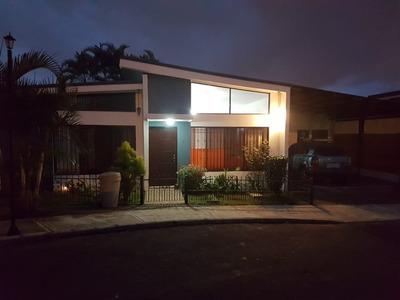 Alquiler Casa 3 Habitaciones En Los Colegios, Moravia