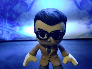 Clark Kent - Dc Comics - Funko Mystery Mini - Sheldortoys