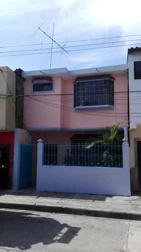 Casa 2 Plantas, 3 Dormitorios, De Oportunidad