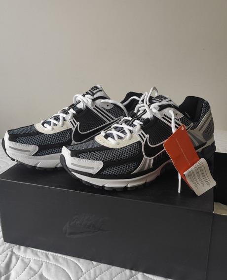 Tênis Nike Vomero 5