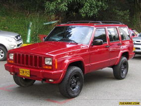 Jeep Cherokee Laredo At 4000cc