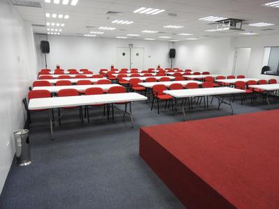 Auditorio, Salas O Salón Para Capacitaciones En Alquiler