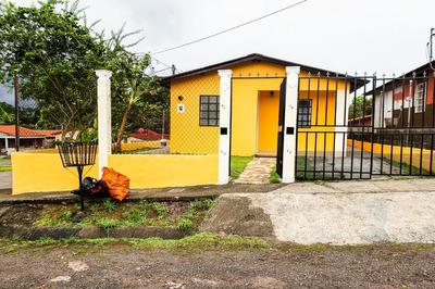 Casa En Venta En Urb. Juan Pablo Ii, Chorrera