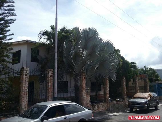 Casas En Venta Urb. La Floresta ( Mls 904433 )