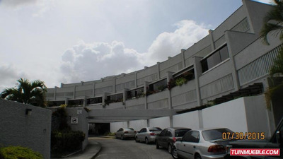 Apartamentos En Venta Eduardo Diaz #15-10741 Charallavito