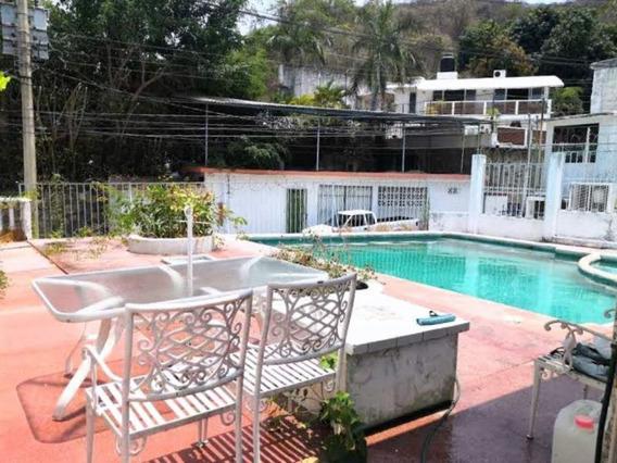 Casa De 2 Recámaras Y Alberca Fraccionamiento Club Deportivo