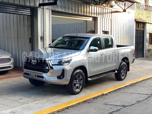Imagen 1 de 10 de Toyota Hilux 2.8 Cd Srv 177cv 4x2 At /// 2021 - 0km