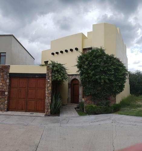 Casa En Venta En San Miguel De Allende. Casa En Fairway. Club De Golf Ventanas.