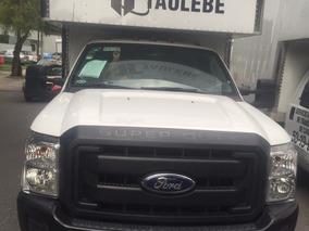 Camioneta Ford 350 2015 Con Caja Seca Y Rampa Hidraulica
