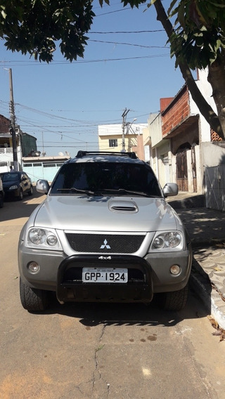 Mitsubishi L200 2.5 Outdoor Hpe 4x4 4p 2011/2012 Mais Debit