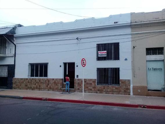 Dueño Alquila Casa Céntrica Para Empresa, Oficinas O Centros