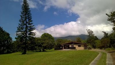 Casa De Campo En Quinta De 600 Metros