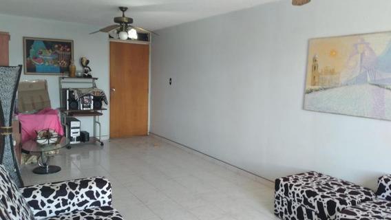 Apartamento En Alquiler Zona Este Trinitarias 20-23313 J&m