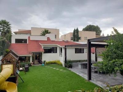 Venta Casa De Lujo En Condominio Horizontal, Calle Agua