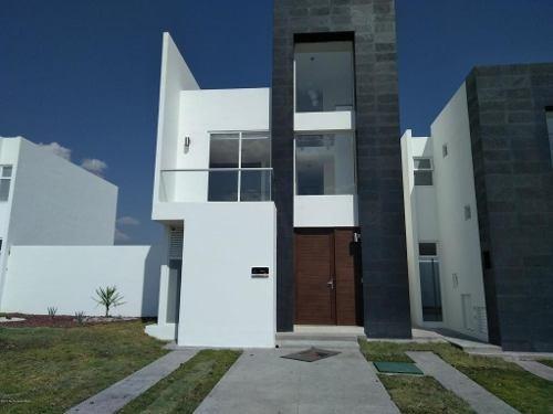 Casa En Venta En Zakia, El Marques, Rah-mx-20-663