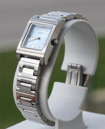 Relógio Casio Feminino Silvertone