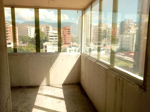 Apartamento En Obra Gris En La Urb. La Soledad Con Planta