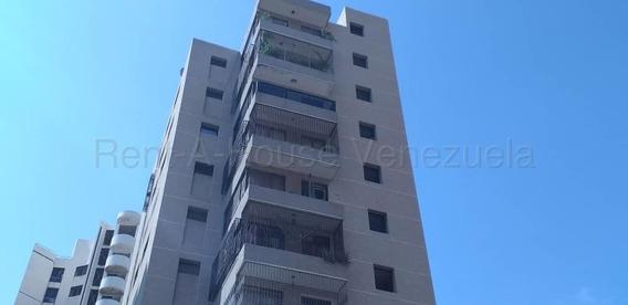 Amplio E Iluminado Apartamento En 5 De Julio Mls 20-6981ln