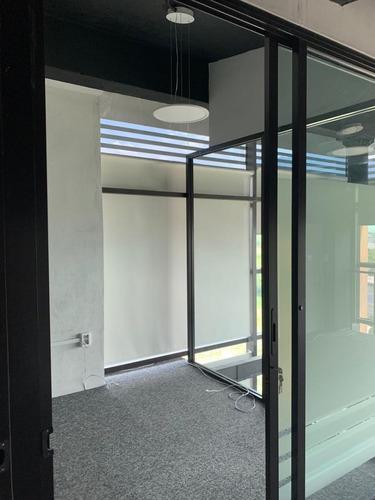 Imagen 1 de 15 de Oficina En Renta En Valle Alto