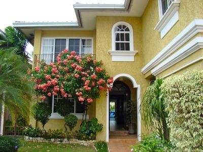 Hermosa Casa En Venta, Costa Del Este