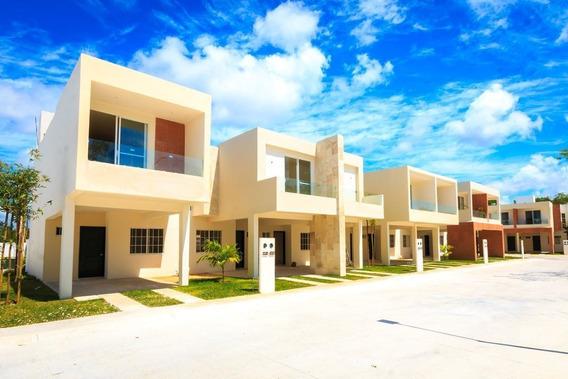 Casa De Tres Habitaciones A En Residencial Privado, 10 Minutos De La Playa.
