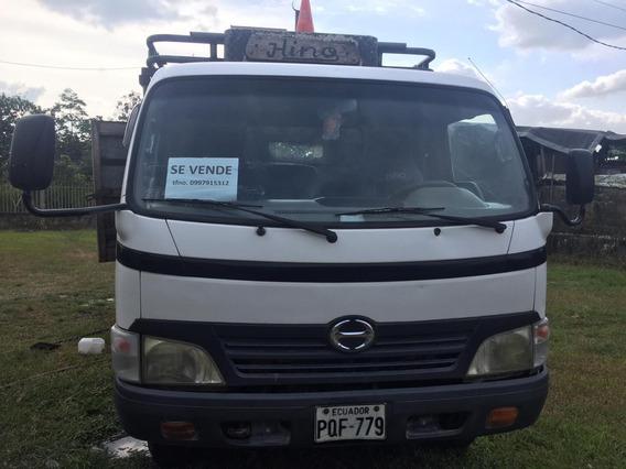 Camión Hino Dutro 2007