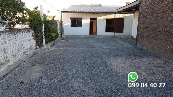 Casa En Venta, 3 Dormitorios, 1 Baño, Churrasquera Techada