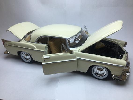 Miniatura Chrysler C300 1955 Escala 1/24