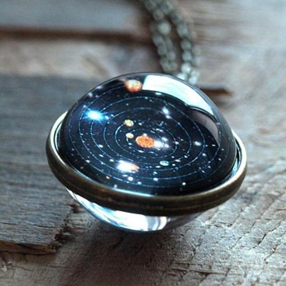 Colar Esfera Galaxia Sistema Solar Planteta Brilha No Escuro
