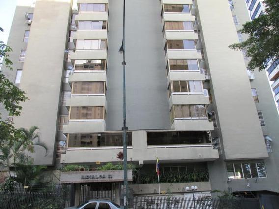 Lomas De Prados Del Este. Vende Apartamento 19-13947