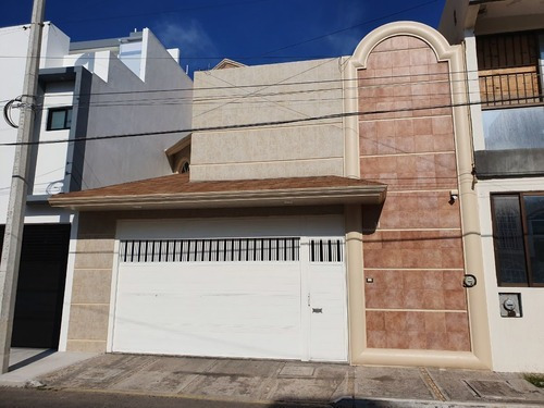 Casa En Venta 4 Recamaras Fracc Costa Verde
