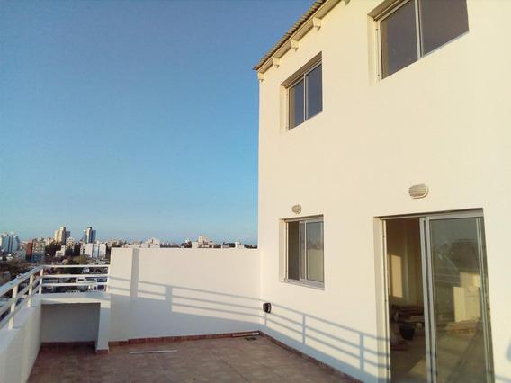 Duplex En Altura. 8vo Piso Con Patio Amplio Excelente Vista