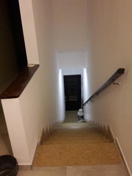 Alquilo Apto. 2 Dormitorios Primer Piso Por Escalera