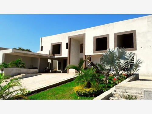 Casa Sola En Venta Guadalupe Country