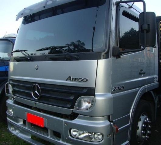 Mercedes - Atego 2425 - 2010 - 6x2 - Carroceria - Teto Baixo