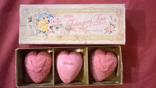 Antiguo Set 3 Tidings Of Love Jabon Tocador Corazon 50g Avon