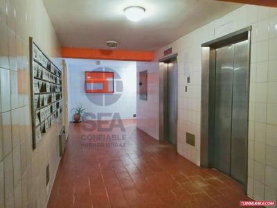 Apartamento En Venta Edificio Monte Carmel, Alta Vista