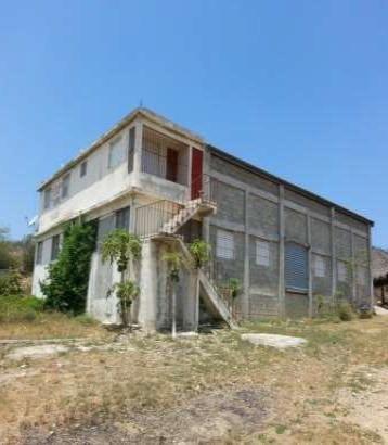 Loyalty Vende Edificación Comercial En Montecristi
