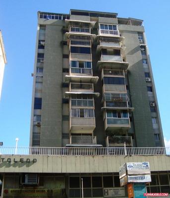 Oficina En Alquiler Av. Romulo Gallegos