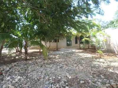 Casa Con Amplio Terreno En Venta Ideal Para Construcción De Lof O Departamentos Cholul